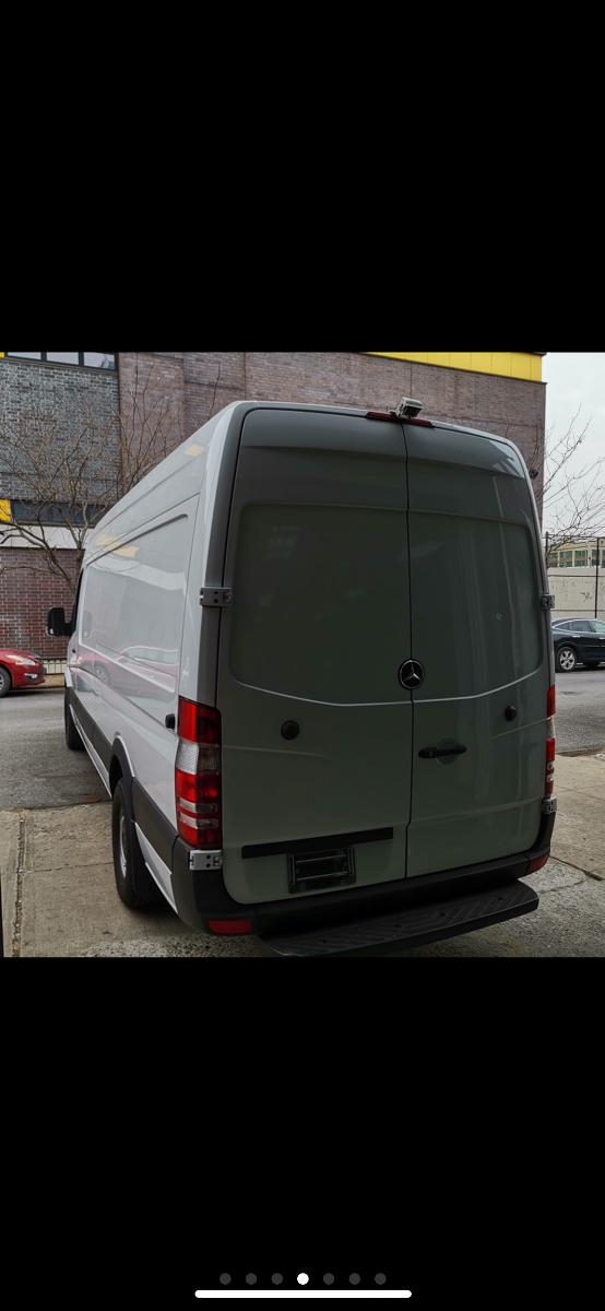 货车2012mecedes Benz sprinter cargovan柴油版加高加长开了64000miles