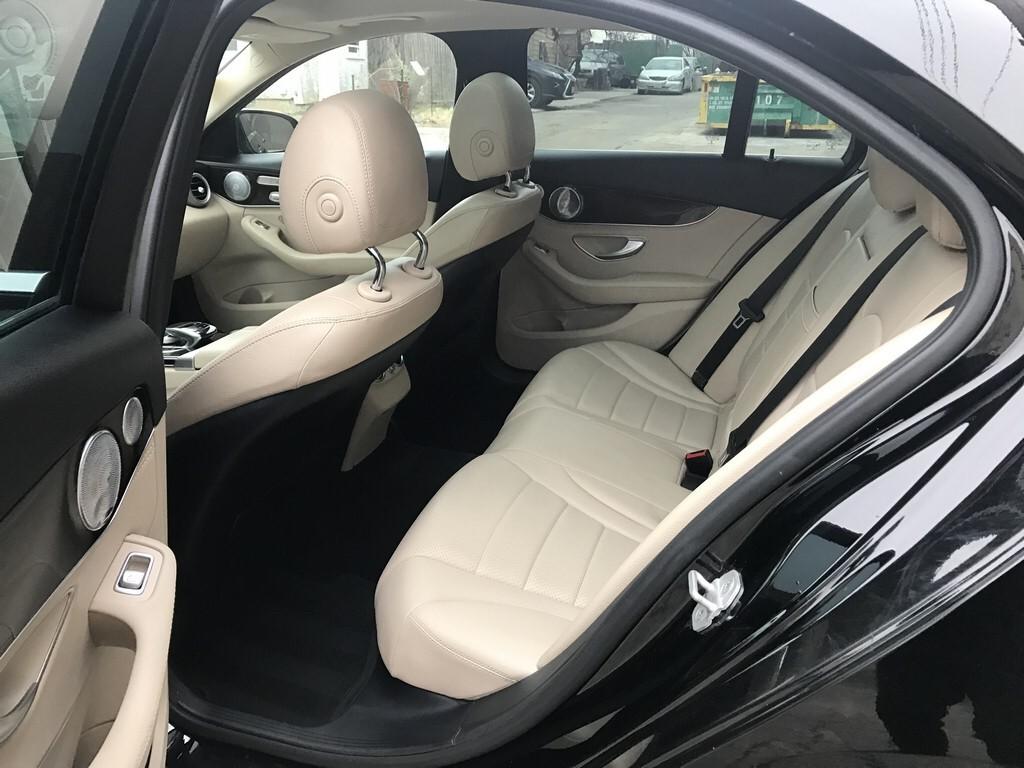 顶配2015 mecedes Benz C300 4matic, 开了53000miles. 特价出售