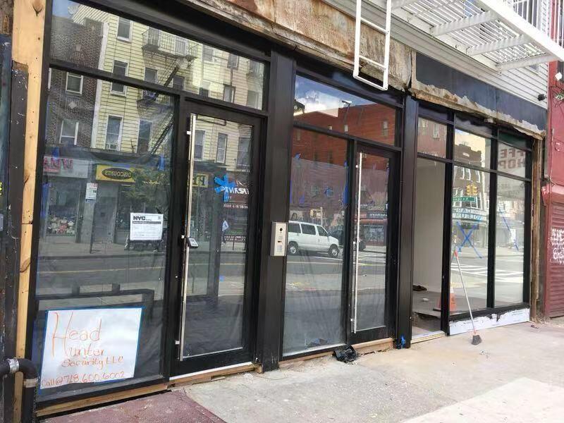 招牌广告和铝合金门窗