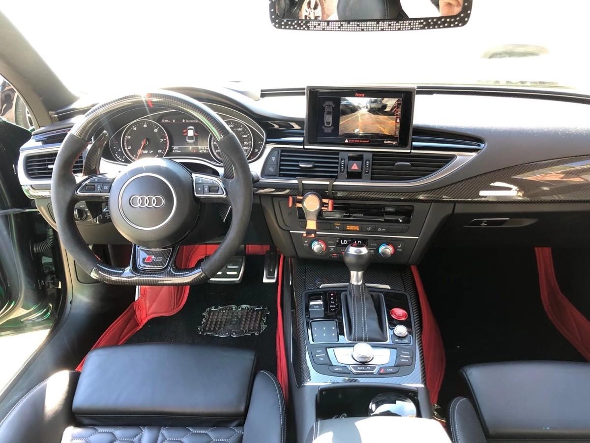 "2015 Audi Rs7 只开了40000 miles 具有车圈中""西装暴徒""之称 ,591匹马力"