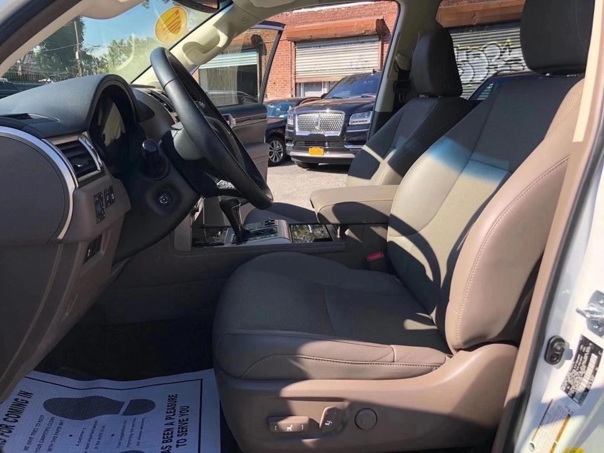 2017 凌志GX460, 7人座SUV,还没有5千英里!对没有看错,就是只开了4500 miles.
