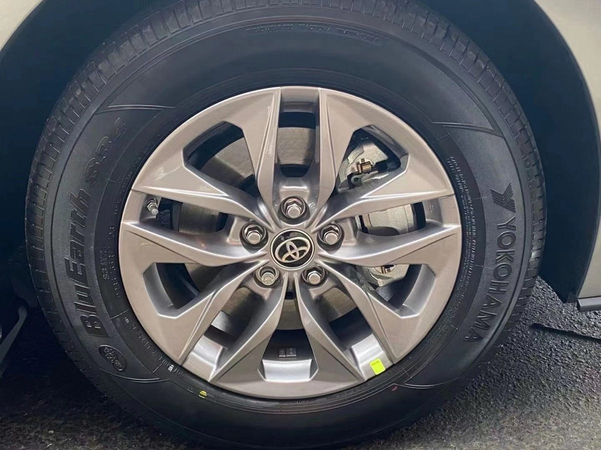 2021 Toyota Sienna ,mini van 当中的战斗机 全新改款 ,全系列都是油电混合动力